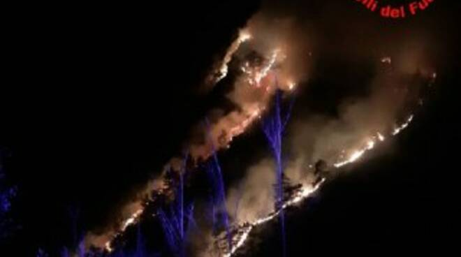 Brucia la Val Tignalga