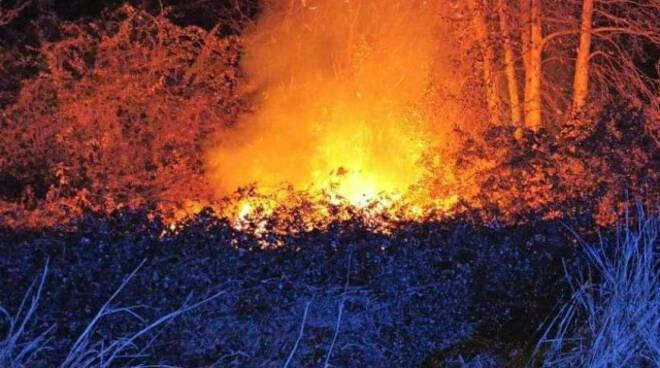 Calcinato e Montichiari doppio incendio in pochi minuti sono collegati