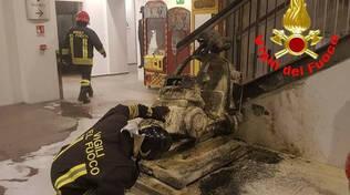 Darfo in fiamme una giostra del centro commerciale Adamello