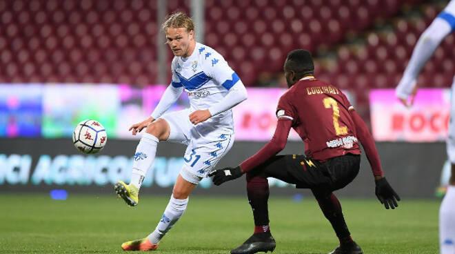Serie B al Brescia non riesce il quinto colpo Vince la Salernitana