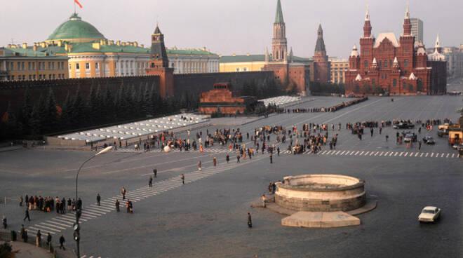 Vaccino antiCovid bresciani attirati dal pacchetto vacanza Sputnik in Russia