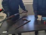 Breno spara colpi di fucile a quattro amici resta ai domiciliari