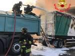 Gussago incendio rifiuti vigili del fuoco pompieri