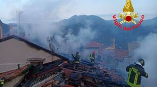 Incendio Lumezzane vigili del fuoco