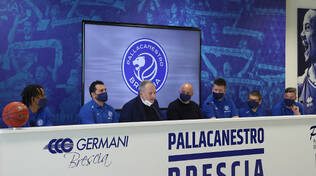 Basket Brescia riparte da un nuovo logo e da coach Alessandro Magro
