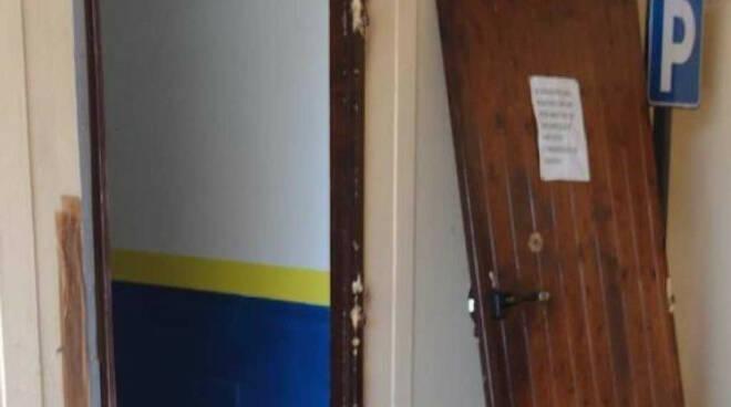 Brescia ladri vandali di nuovo alla sede Leonessa in via Rose