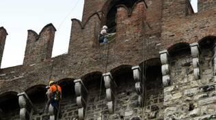 Brescia Torre Pallata Restauro alpinisti