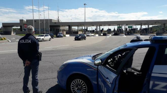 Desenzano cocaina nel bidone sul furgone Polizia lo arresta
