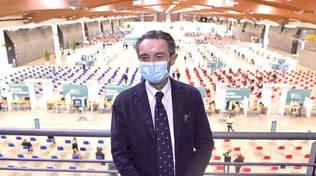 Fontana a Brescia visita hub vaccinale in Fiera ieri solo 3 mila dosi