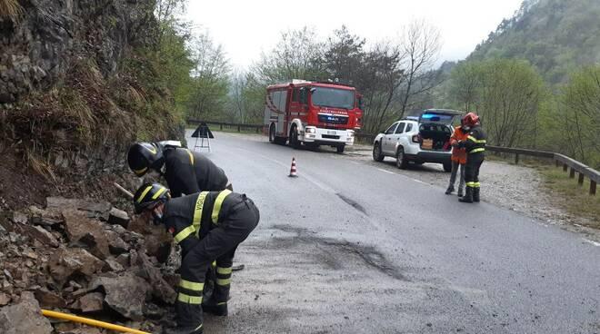 Sp 9 della Valvestino Vigili del fuoco pompieri