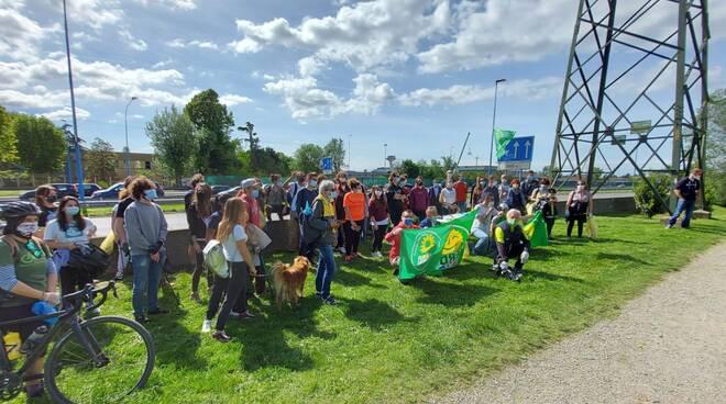 Verdi Europa Verde pulizia Mella 8 maggio 2021