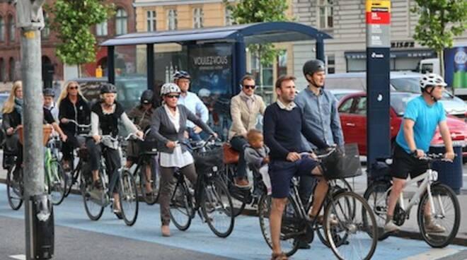 bicicletta città