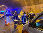 Breno frontale tra due auto nella galleria Minerva quattro feriti