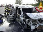 Calcinato maxi tamponamento tra auto e inferno di fuoco in A4