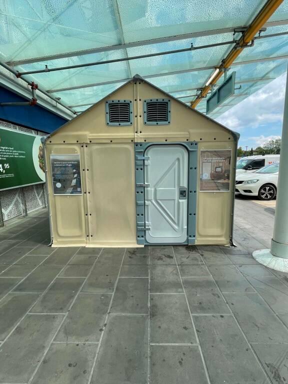 Ikea Brescia, in mostra il modulo abitativo  Better Shelter