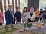 Paratico è tornato il treno storico a vapore E aperto plastico ferroviario