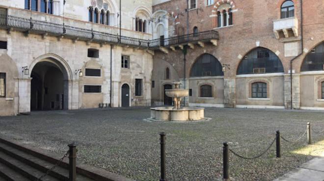 Piazzale Broletto Brescia