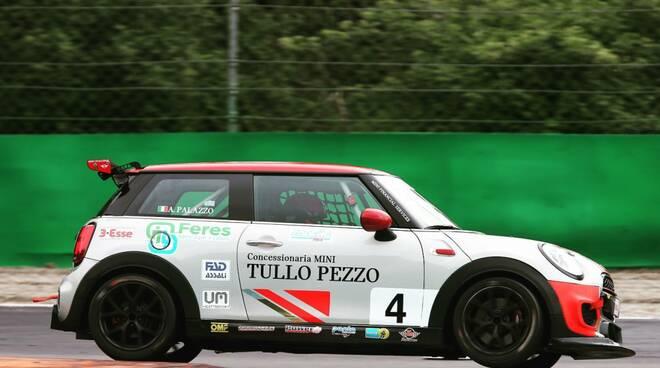 Squadra corse Angelo Caffi a Misano con la livrea Tullo Pezzo