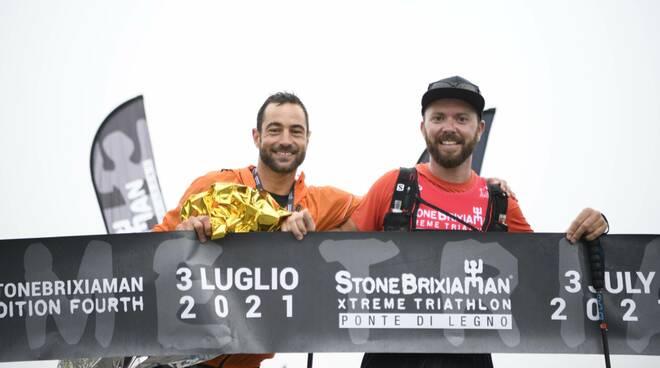 StoneBrixiaMan triathlon Tom Pagani all'arrivo