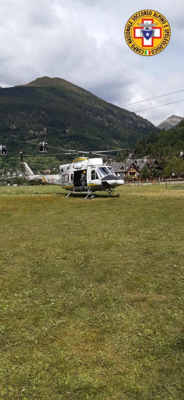 elicottero Guardia di Finanza soccorso alpino