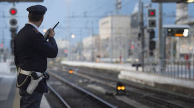 Polizia ferrovia treni stazioni