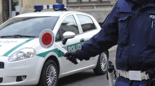 posto blocco polizia locale