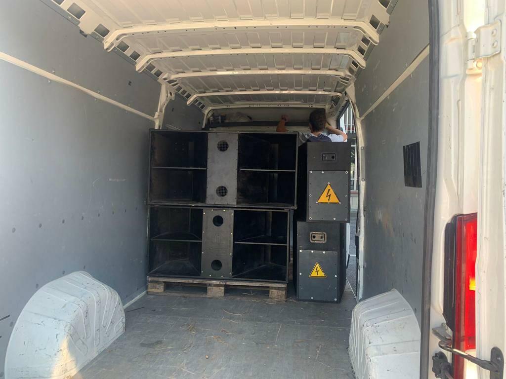 rave party, sequestrati mixer, casse audio e furgoni