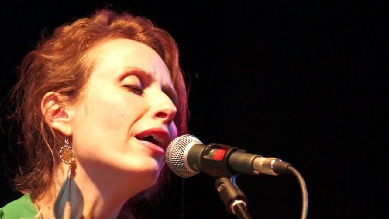 Angela Kinczly