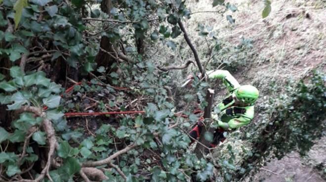 breno donna soccorsa dopo caduta di 50 metri