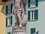 statua abbondanza piazza mercato