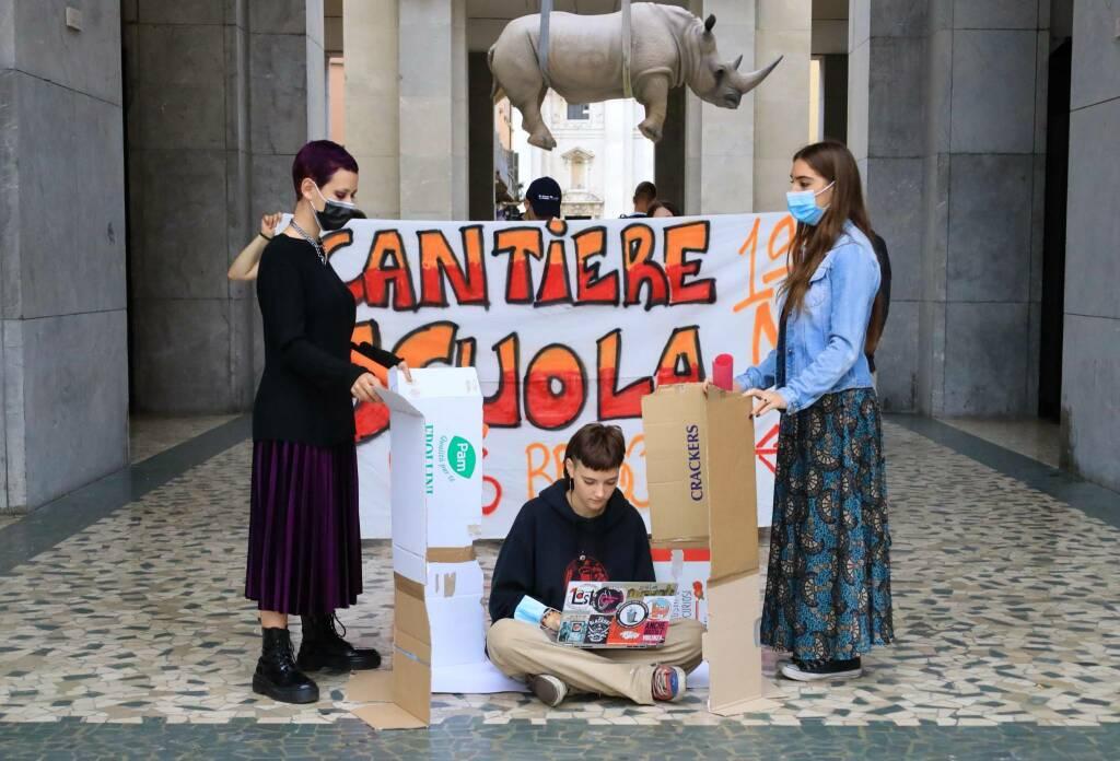 Unione studenti Brescia flashmob 17 settembre 2021