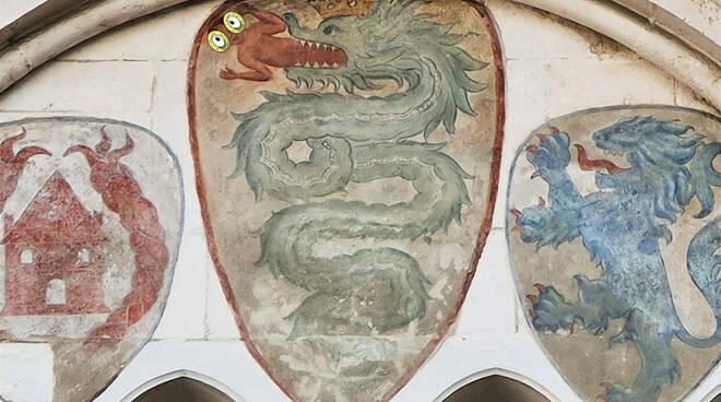 biscione stemma Visconti Broletto Brescia