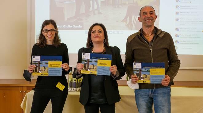 Foto da sx. Cristina Brondoni 2^ class., Letizia Vicidomi 1^ class., Nanni Crispino 3^ class.