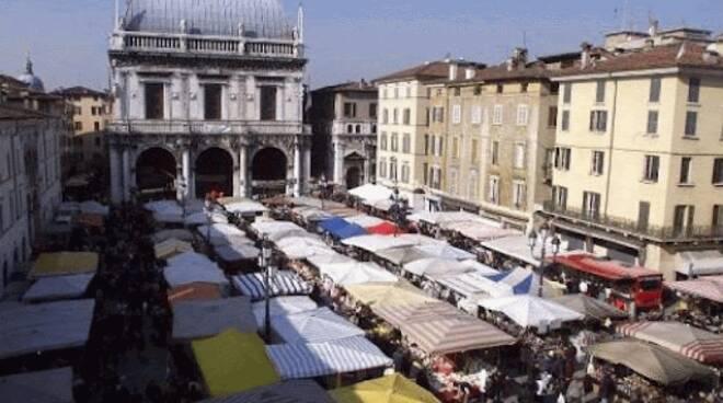 mercato piazza Loggia